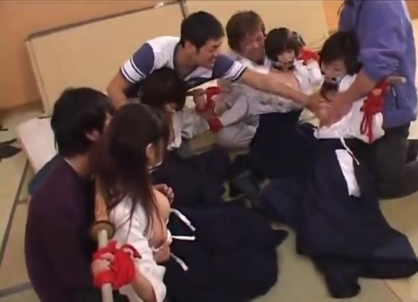 【巨乳女子高生×集団レイプ】剣道部jk達がDQNに拘束されて犯される!DQN「どの子にするかなぁモミモミ」